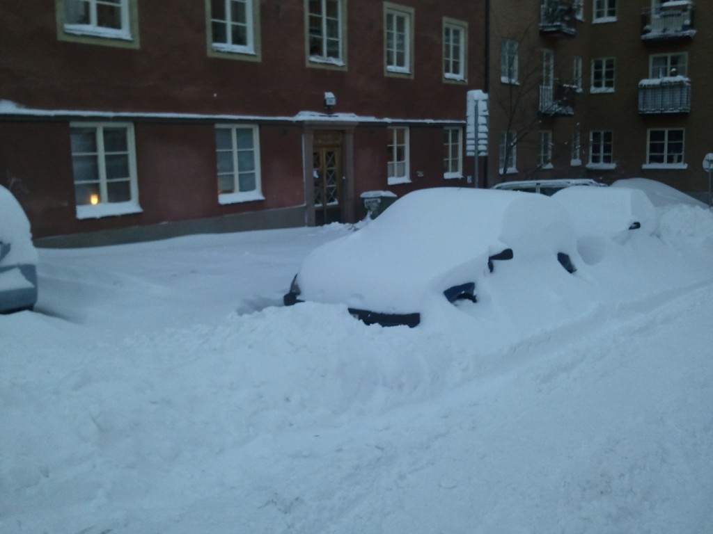 Snöiga bilar